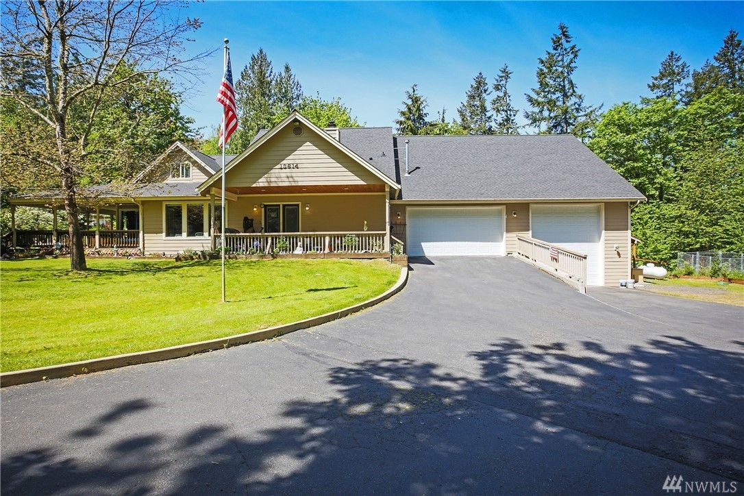 kitsap home with two master suites - olalla