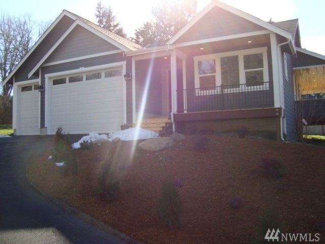 kitsap home with two master suites - Bremerton
